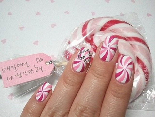 Holiday Inspired Nails - Peppermint Nail Art