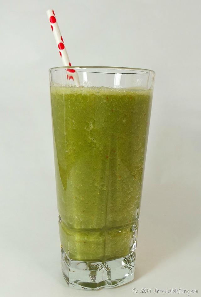 Healthy Green Smoothie Recipe IrresistibleIcing.com